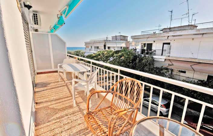 Themis 45 steps from beach